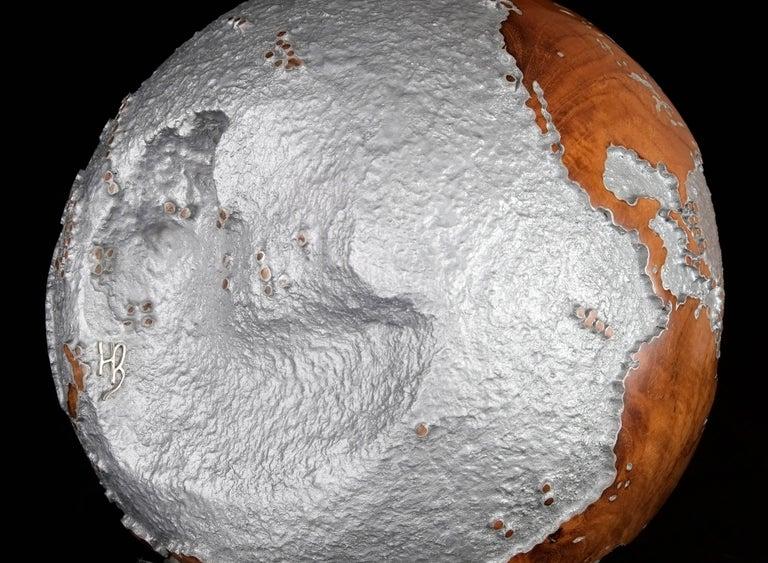 Contemporary HB Globe in Teak Root with Aluminium Finish, 20cm For Sale 3