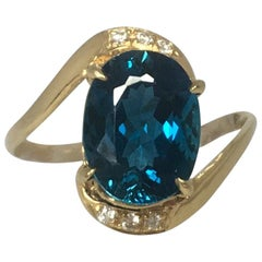 Stunning London Blue Topaz and Diamond 18 Karat Gold Designer Fashion Ring
