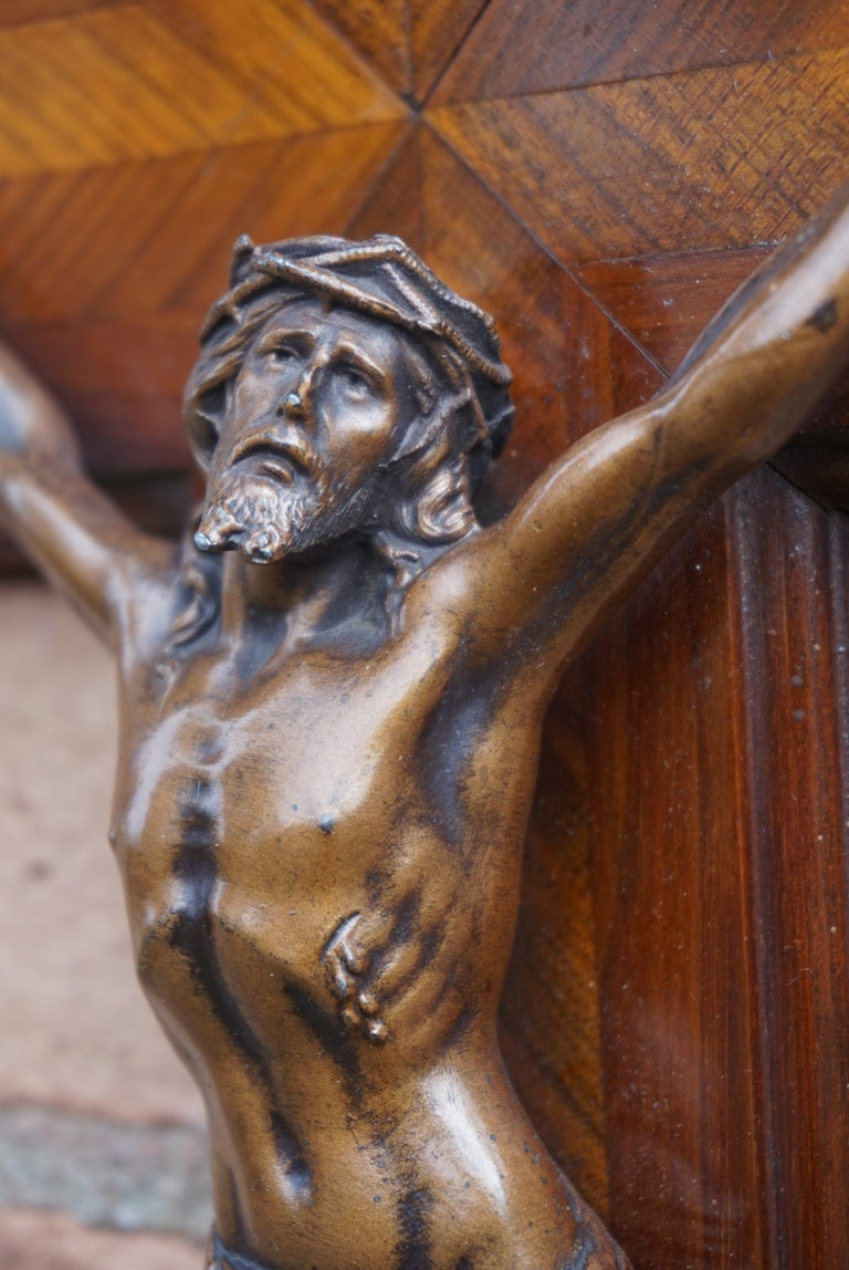 Stunning Mahogany & Kingwood Inlaid Crucifix with a Bronzed Corpus of Christ In Good Condition For Sale In Lisse, NL