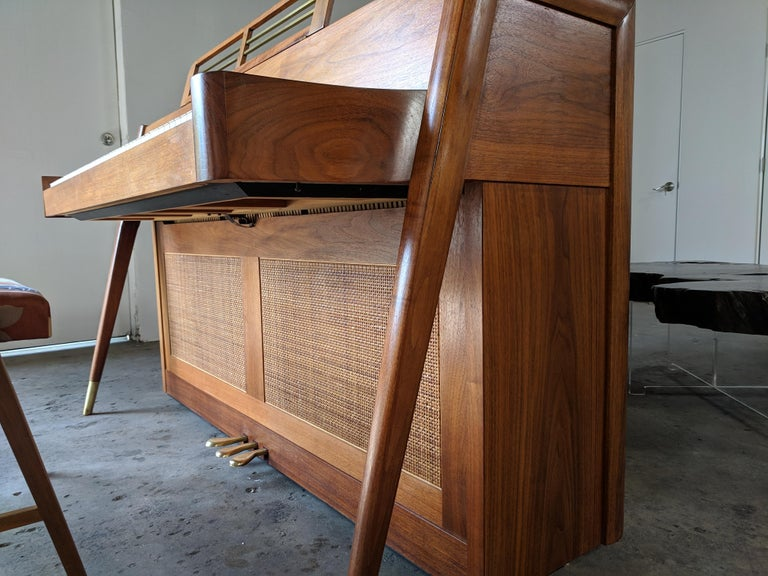 Stunning Midcentury Baldwin Acrosonic Spinet Piano with Matching Bench For Sale 6