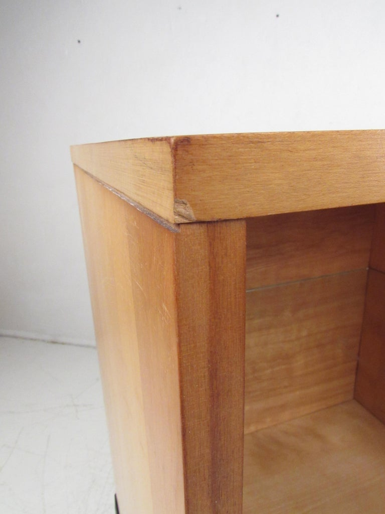 Stunning Midcentury Paul McCobb Planner Group Two-Piece Desk For Sale 7