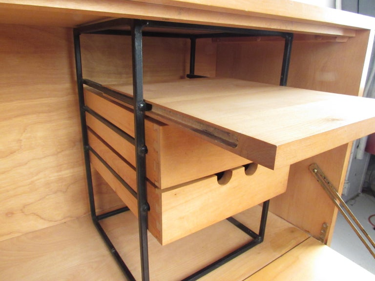 American Stunning Midcentury Paul McCobb Planner Group Two-Piece Desk For Sale