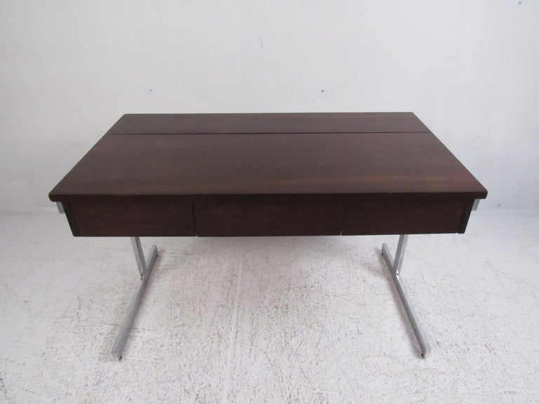 Mid-Century Modern Stunning Midcentury Rosewood Lane Compartment Desk For Sale