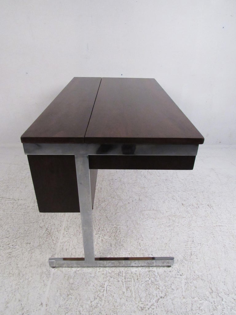 American Stunning Midcentury Rosewood Lane Compartment Desk For Sale