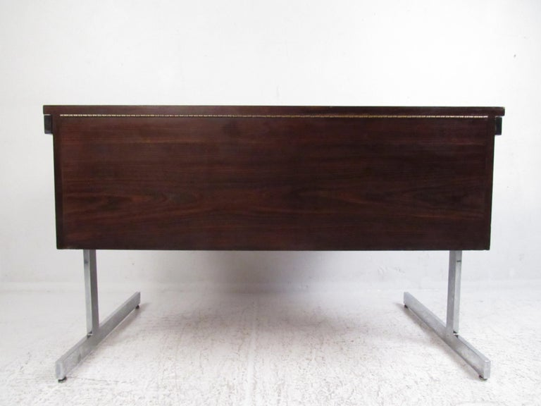 Stunning Midcentury Rosewood Lane Compartment Desk In Good Condition For Sale In Brooklyn, NY