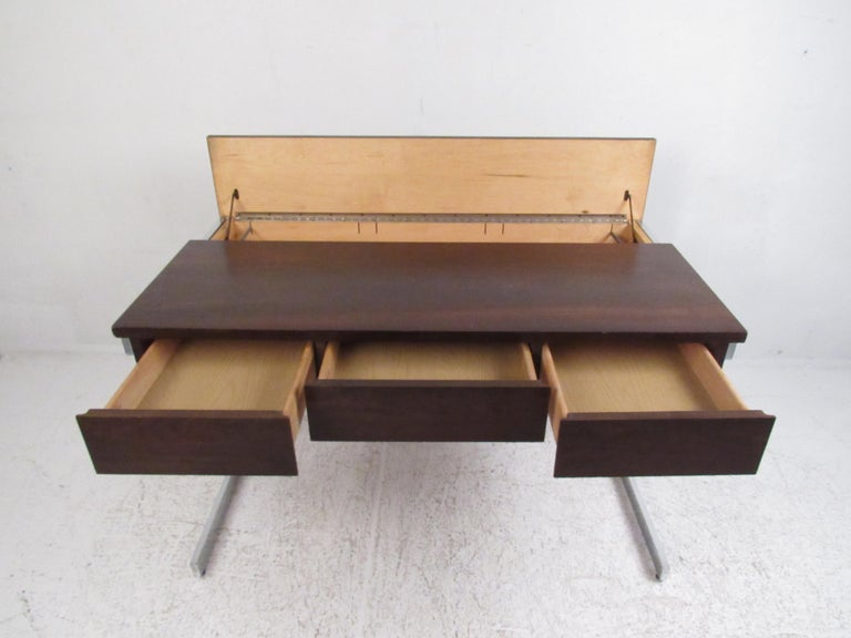 Late 20th Century Stunning Midcentury Rosewood Lane Compartment Desk For Sale