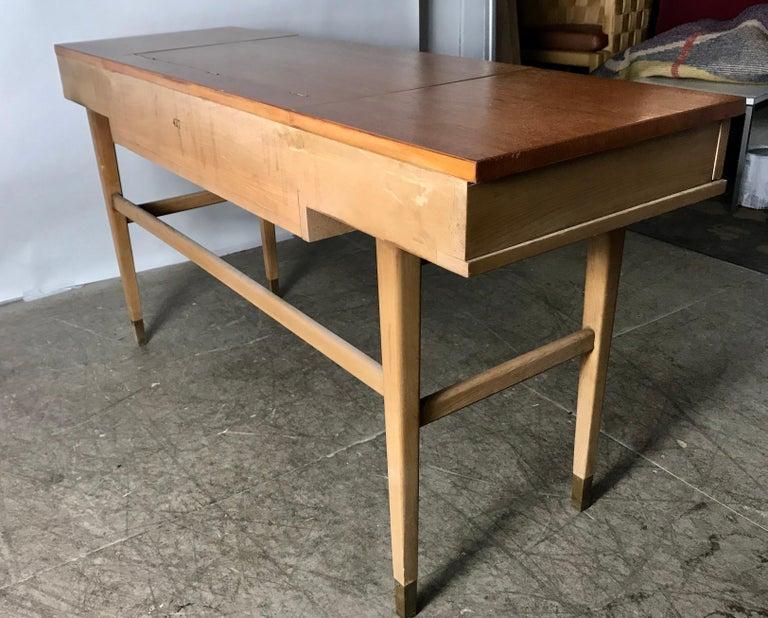 Stunning Midcentury Desk or Vanity, Console, John Widdicomb For Sale 4