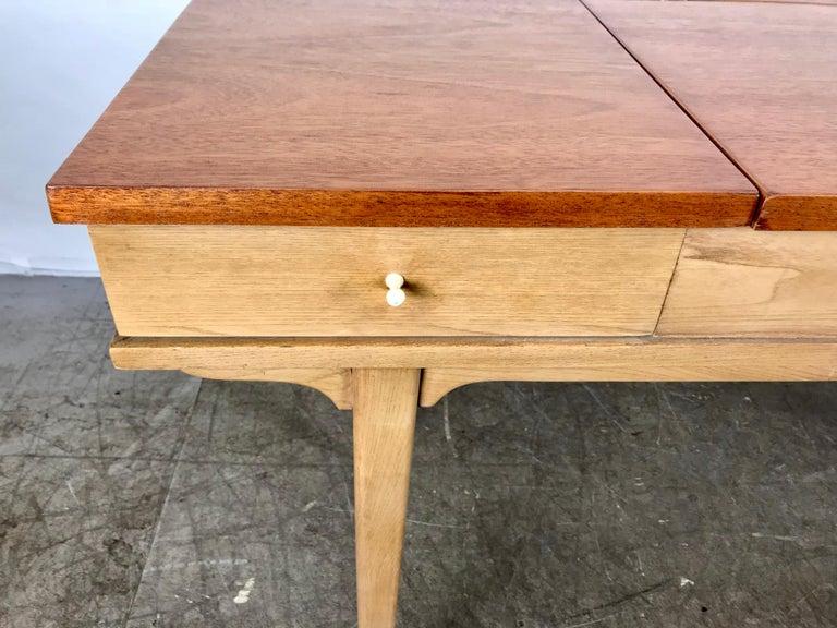 Mid-Century Modern Stunning Midcentury Desk or Vanity, Console, John Widdicomb For Sale