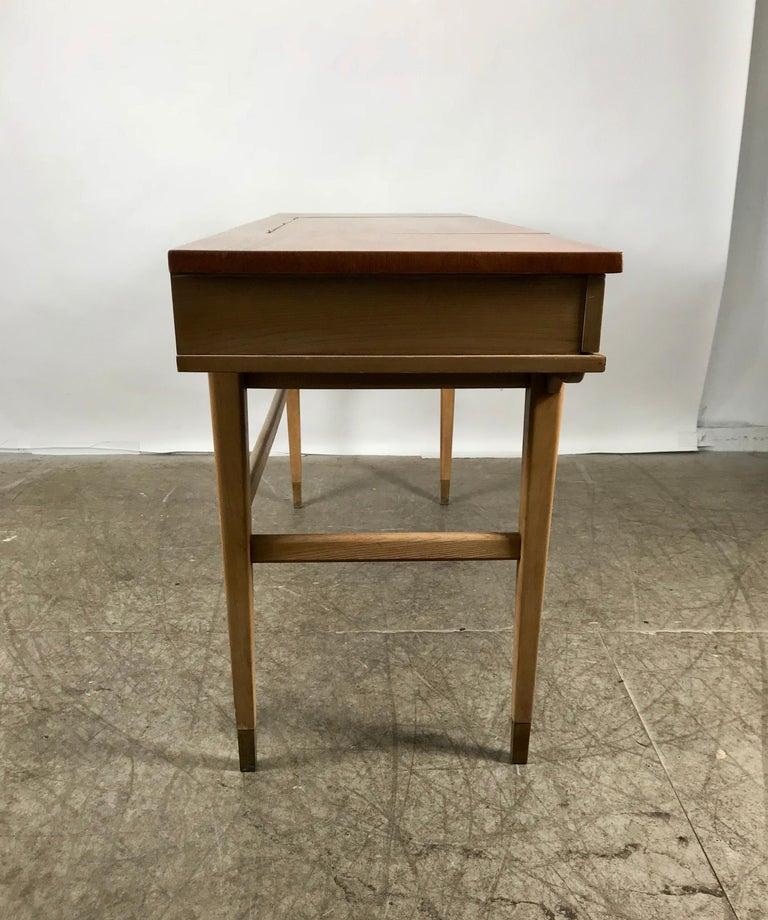 Stunning Midcentury Desk or Vanity, Console, John Widdicomb For Sale 1