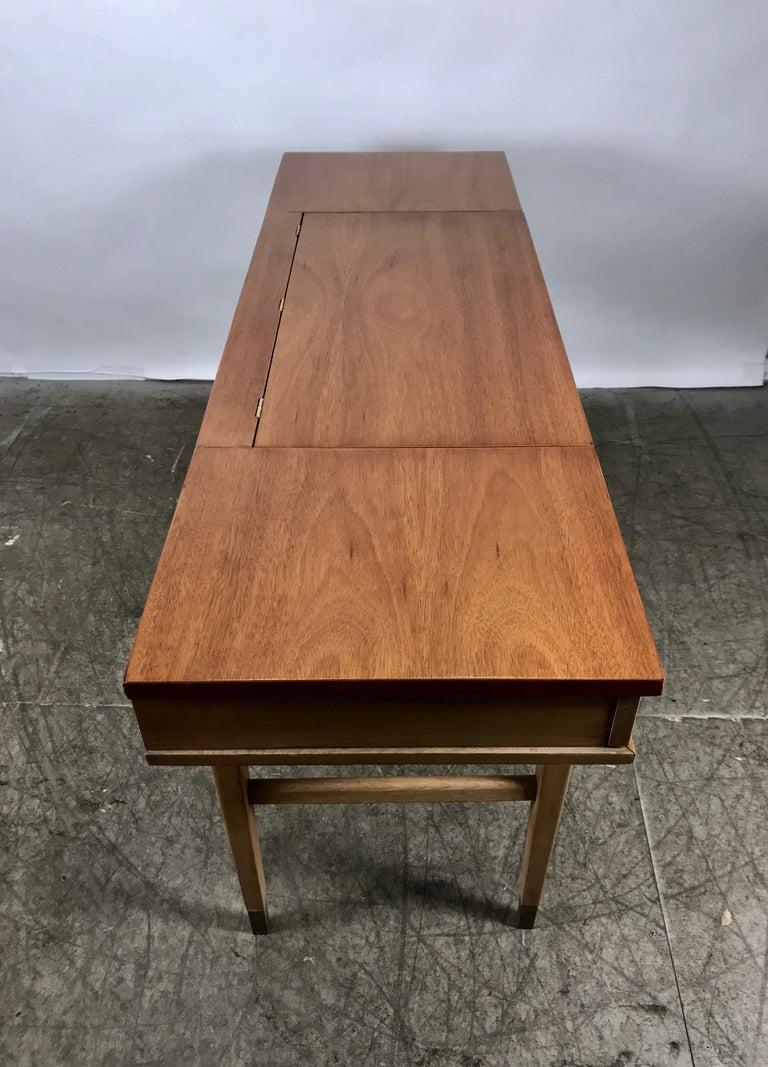 Stunning Midcentury Desk or Vanity, Console, John Widdicomb For Sale 2