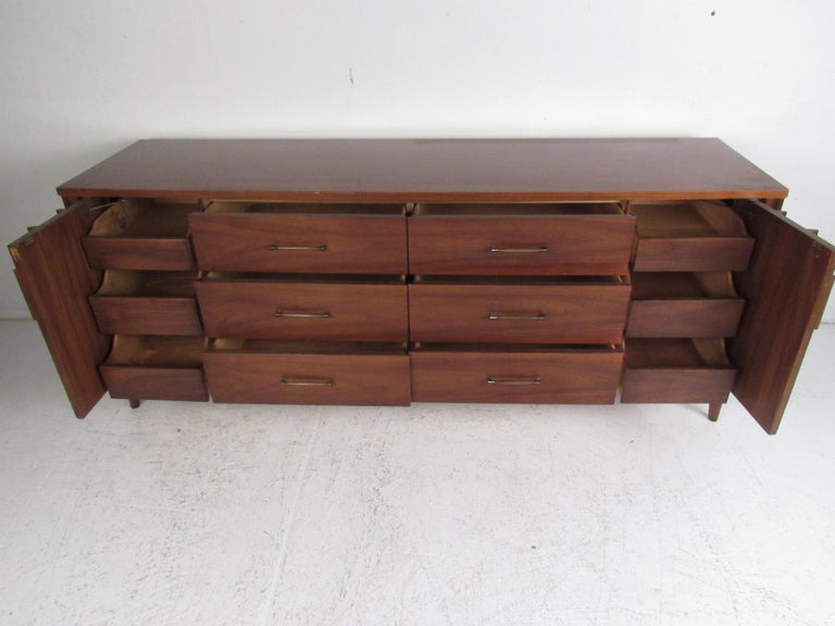 Stunning Midcentury Kent Coffey Perspecta Bedroom Set In Good Condition For Sale In Brooklyn, NY