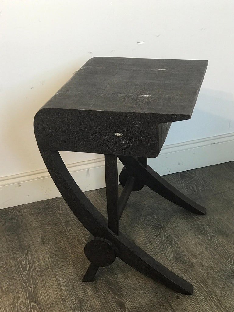 20th Century Stunning Modern Black and White Shagreen Cantilever End Table by R&Y Augousti For Sale