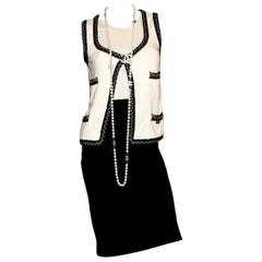Stunning Monochrome Chanel Cashmere Signature Dress Gilet Suit Set Ensemble