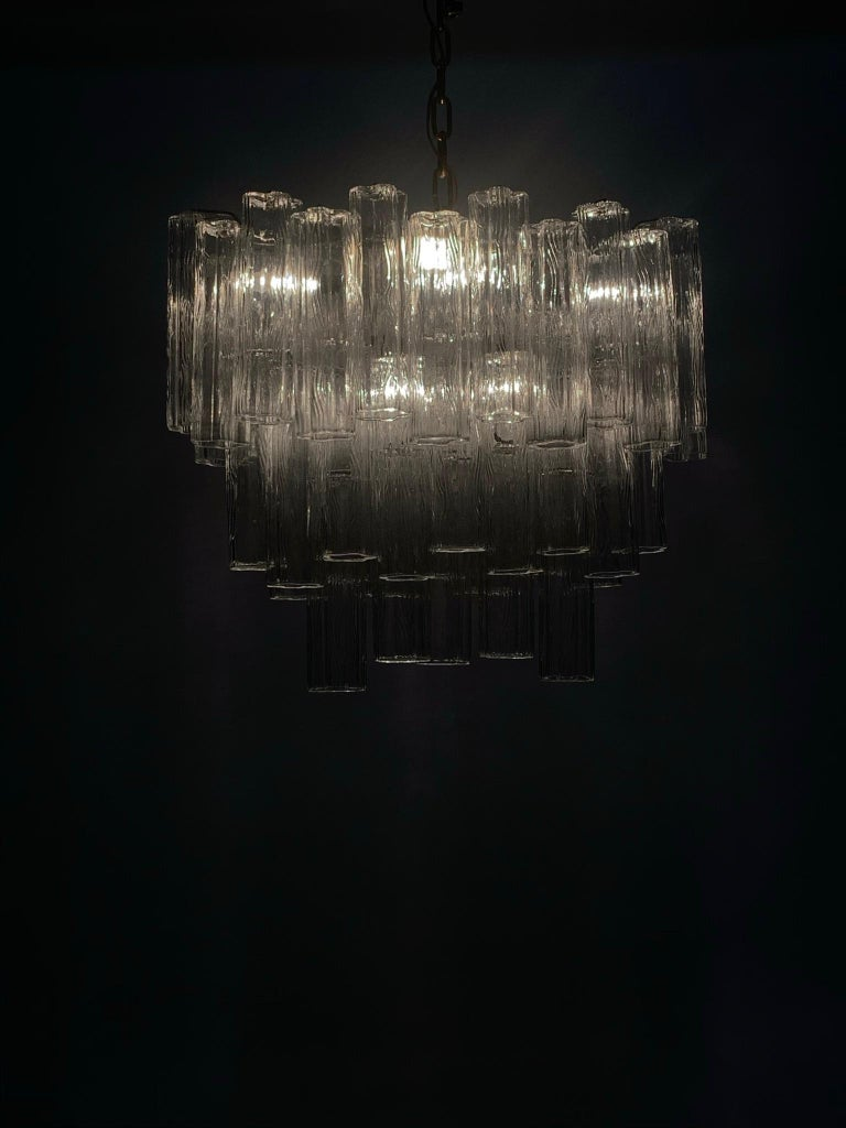 Stunning Oval Italian Venini Murano Glass Tubes Chandelier Light Fixture In Good Condition For Sale In Hudson, NY