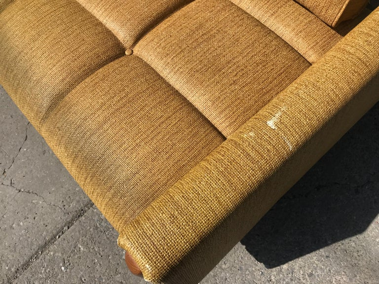 Modernist Button Tufted Daybed Attributed to Adrian Pearsall For Sale 6