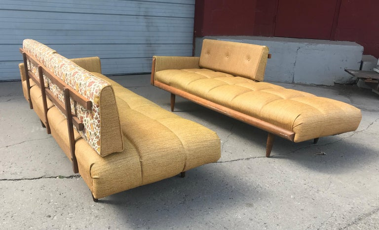 Modernist Button Tufted Daybed Attributed to Adrian Pearsall For Sale 7