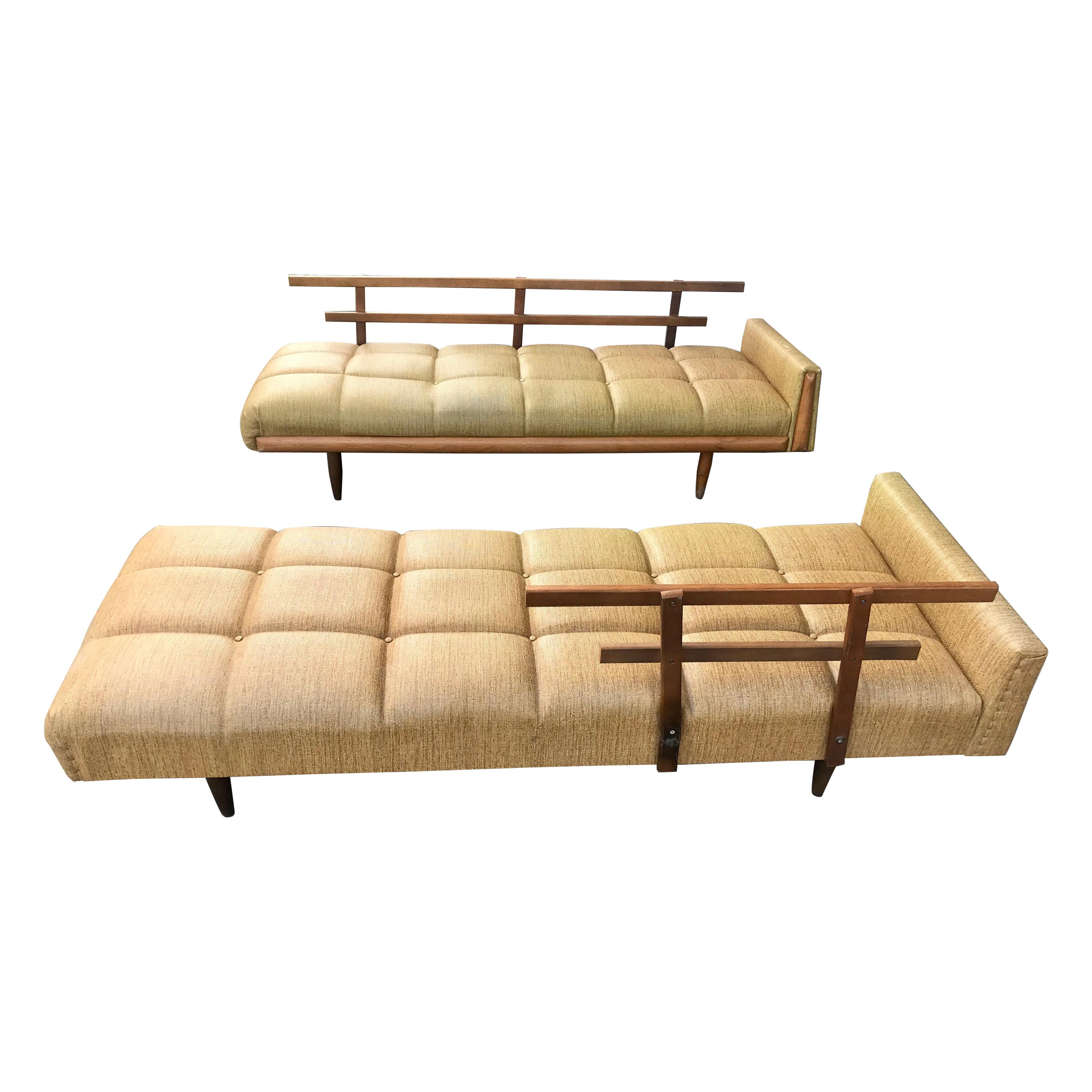 Modernist Button Tufted Daybed Attributed to Adrian Pearsall
