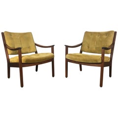Stunning Pair Modernist Walnut and Suede Lounge Chairs by Gunlocke