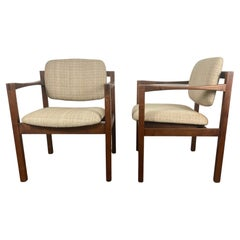Stunning Pair Modernist Walnut Arm Chairs by Stow Davis /after Jens Risom
