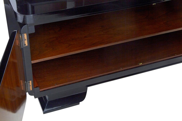 20th Century Stunning Pair of Art Deco Black Lacquered Sideboard Vitrines For Sale