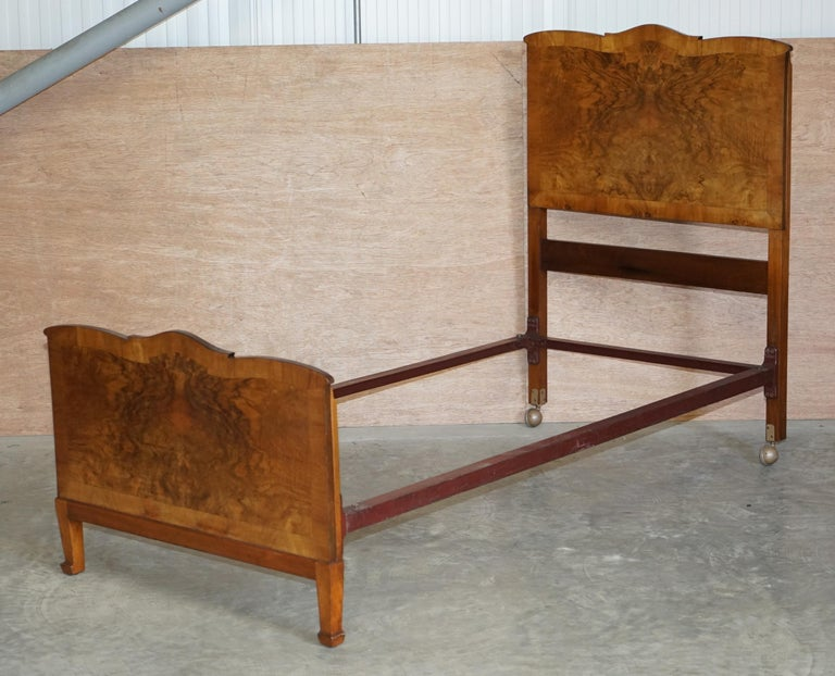 Stunning Pair of Burr & Burl Walnut circa 1940's Single Beds with Silk Bases For Sale 3