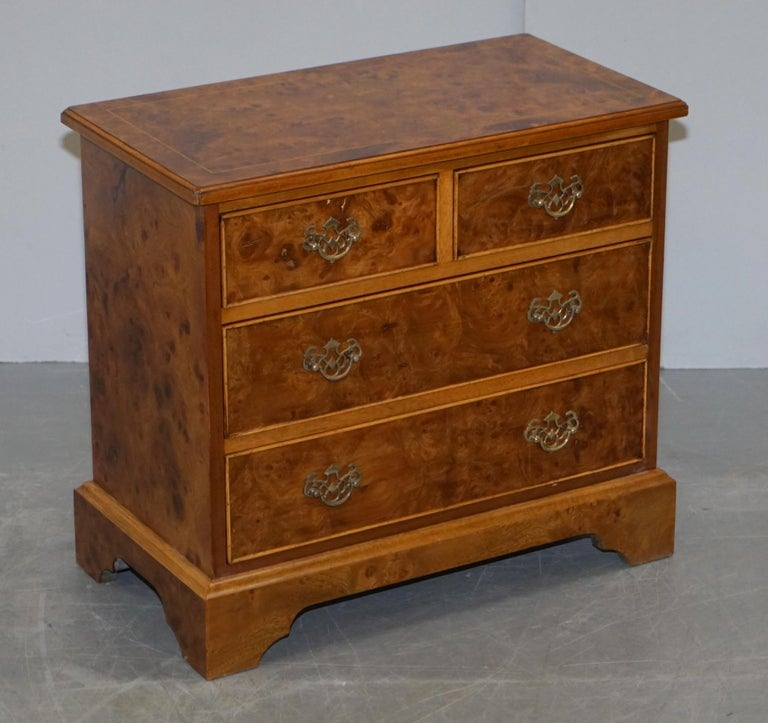 Stunning Pair of Burr & Burl Walnut & Elm Bedside, Side Table Chest of Drawers For Sale 4