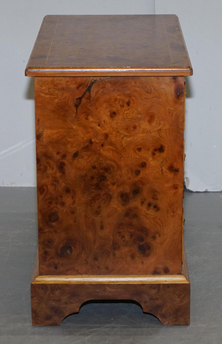 Stunning Pair of Burr & Burl Walnut & Elm Bedside, Side Table Chest of Drawers For Sale 11