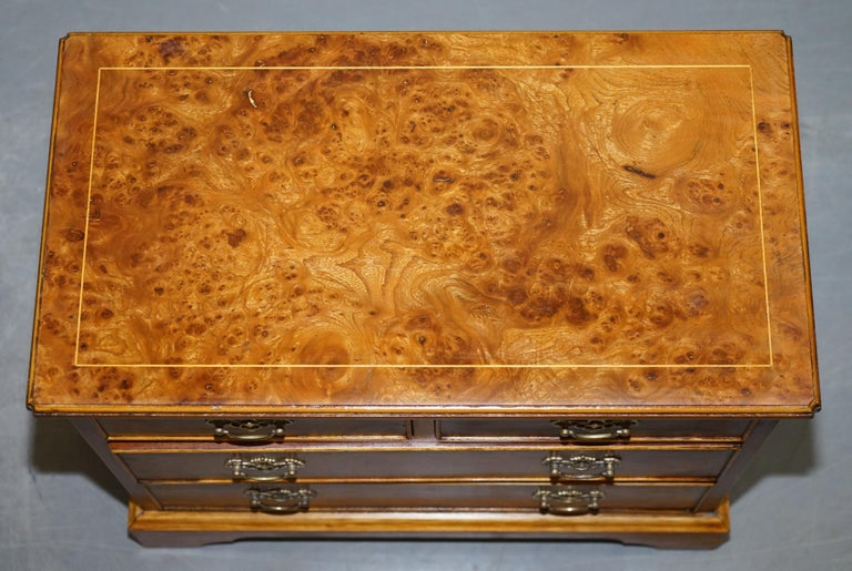 English Stunning Pair of Burr & Burl Walnut & Elm Bedside, Side Table Chest of Drawers For Sale