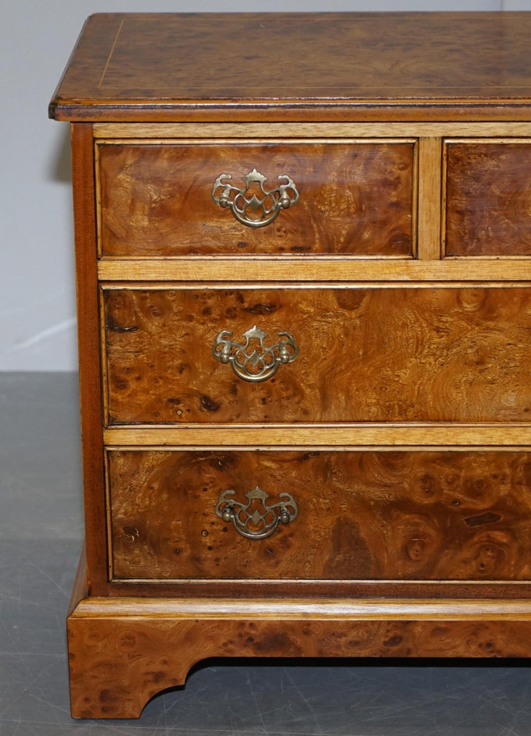 Stunning Pair of Burr & Burl Walnut & Elm Bedside, Side Table Chest of Drawers In Good Condition For Sale In , Pulborough