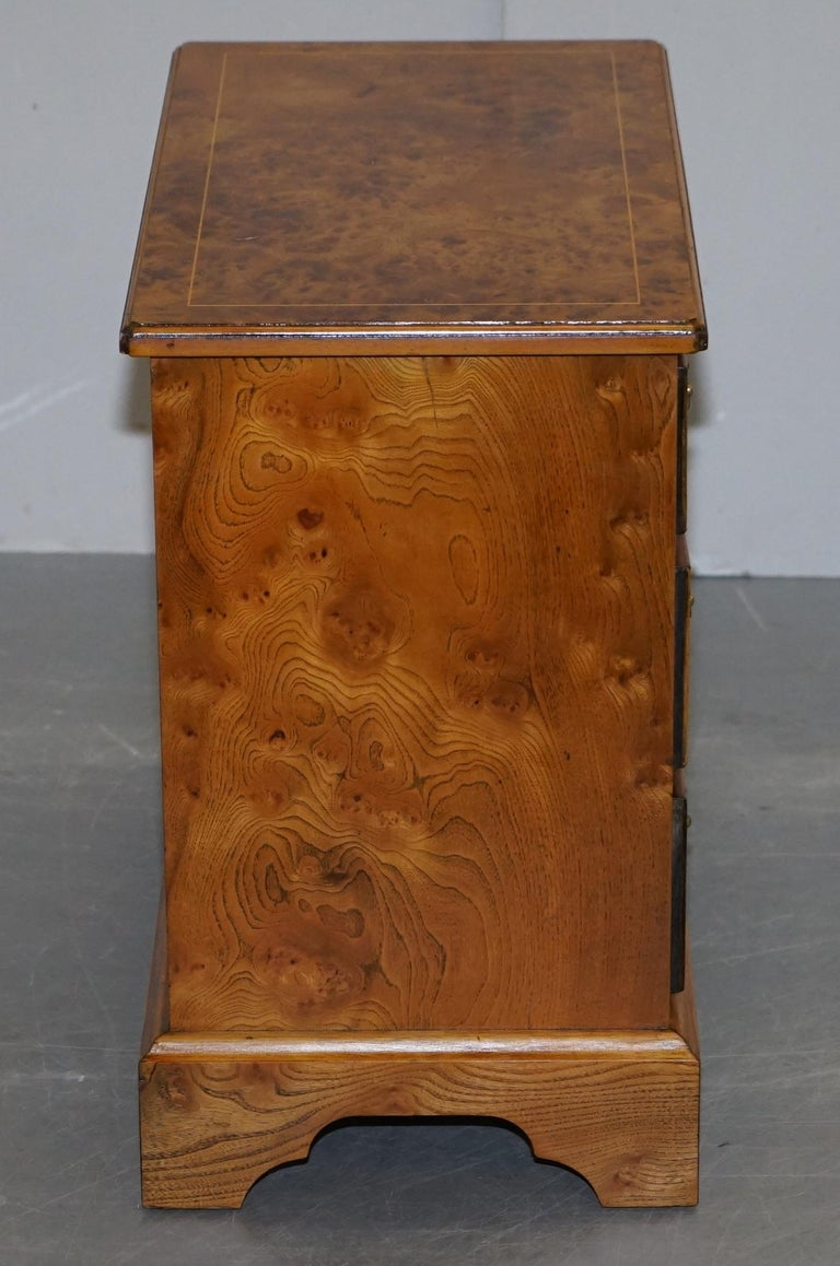 Stunning Pair of Burr & Burl Walnut & Elm Bedside, Side Table Chest of Drawers For Sale 1
