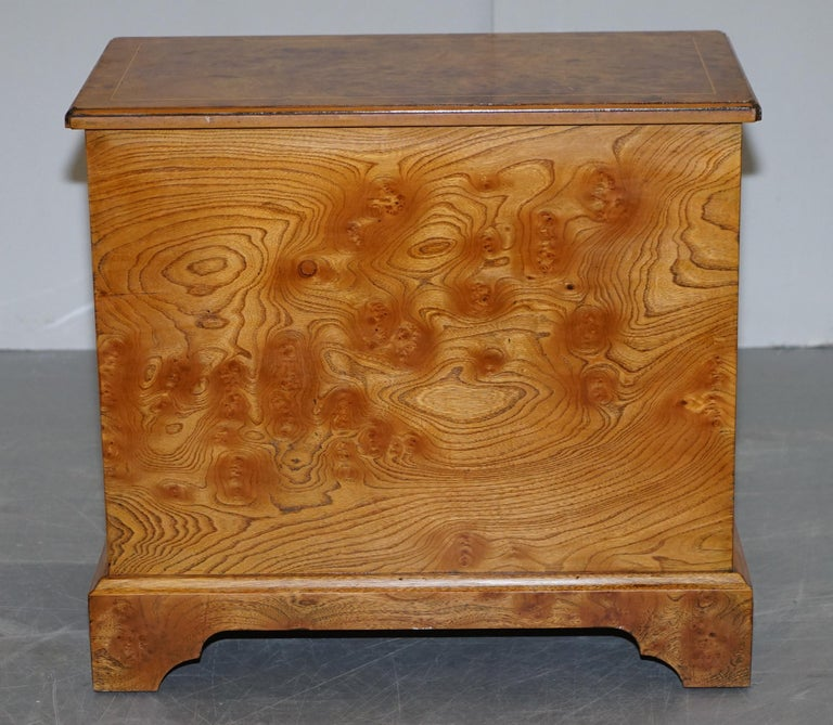 Stunning Pair of Burr & Burl Walnut & Elm Bedside, Side Table Chest of Drawers For Sale 2