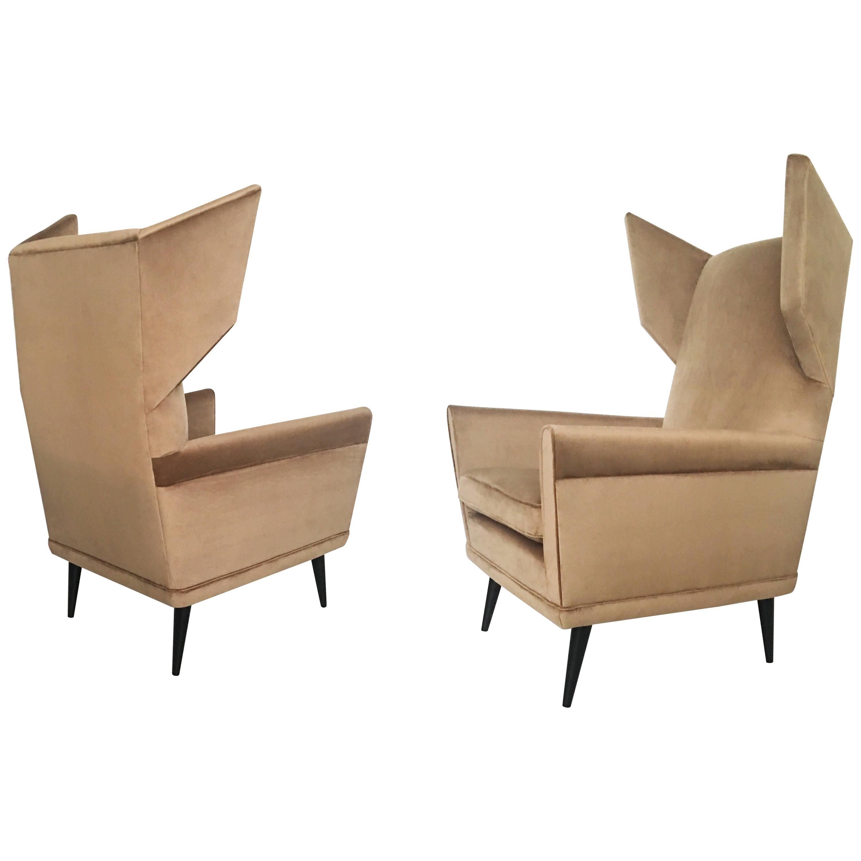 Stunning Pair of Italian Lounge Chairs by Gio Ponti