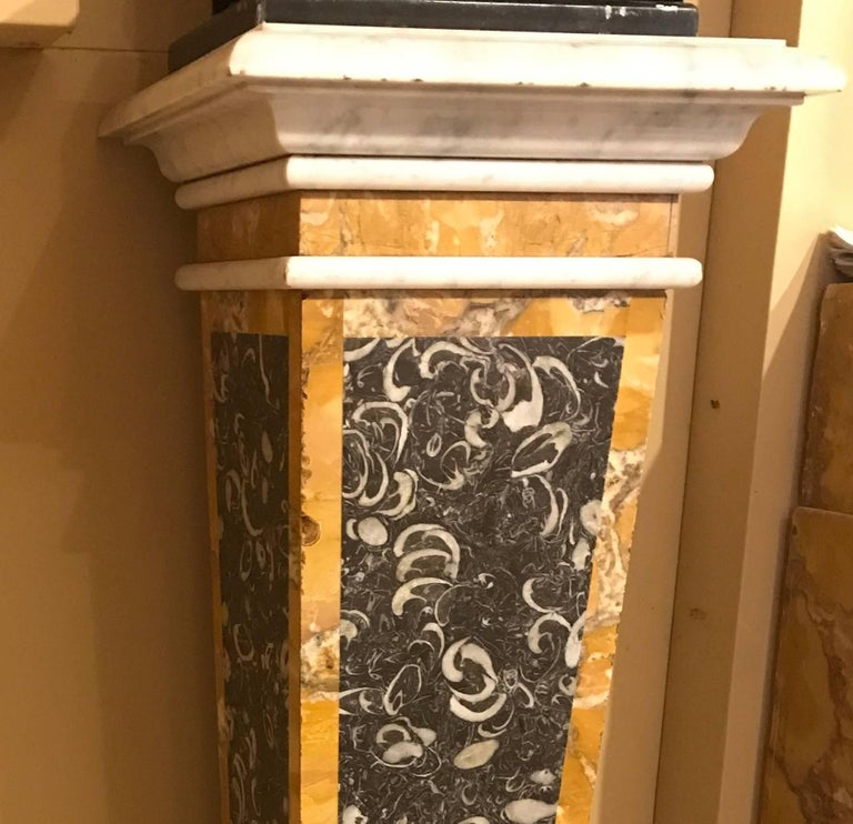 Stunning Pair of Italian Neoclassical Inlaid Marble Bases or Pedestals In Good Condition For Sale In Rome, IT