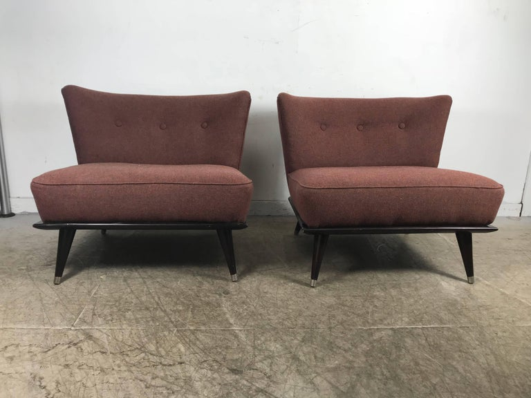 Mid-Century Modern Stunning Pair of Modernist Slipper Chairs in the Manner of Gio Ponti For Sale