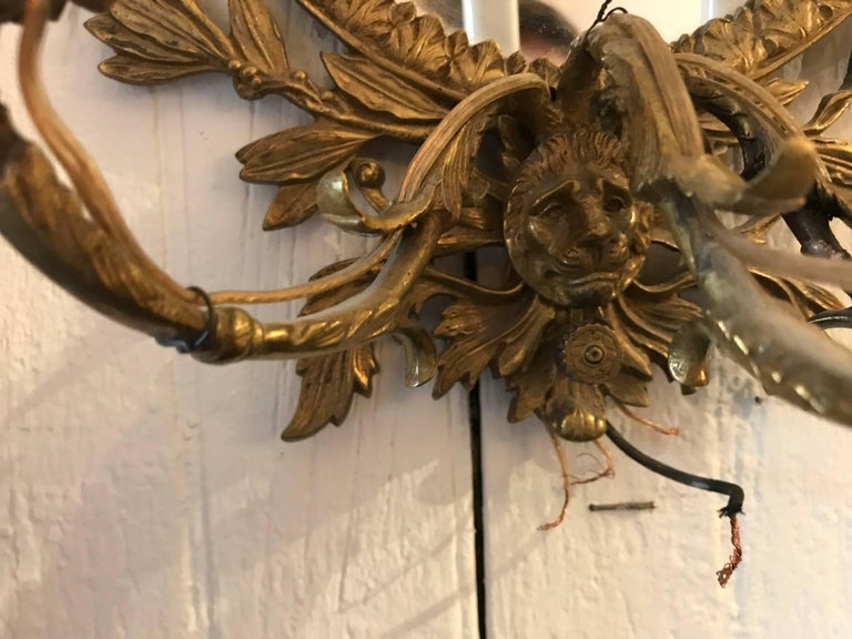Early 20th Century Stunning Pair of Neoclassical French Bronze Sconces For Sale