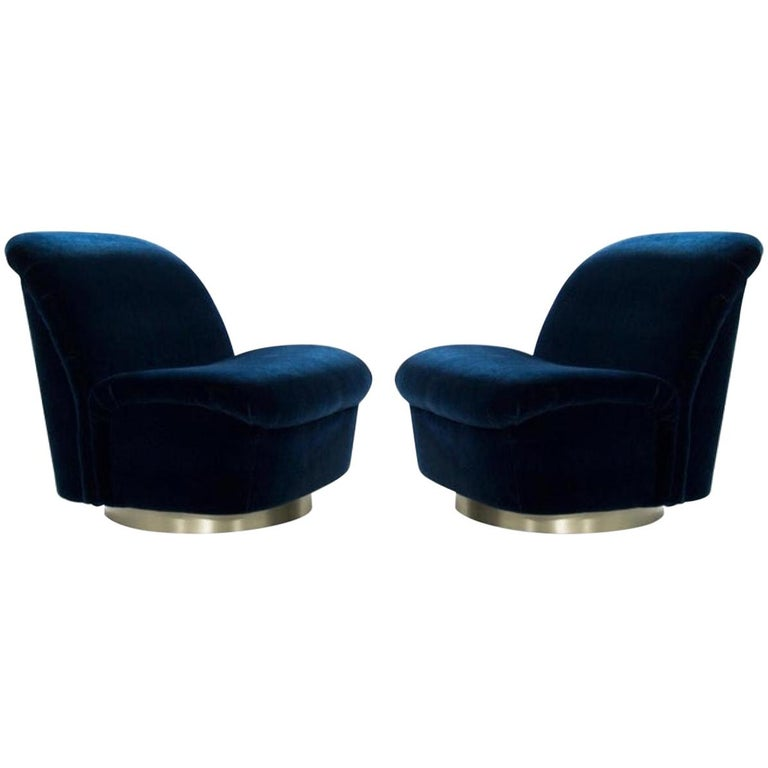 Pair 1980's Vladimir Kagan For Directional Swivel Tilt Lounge Chairs  For Sale