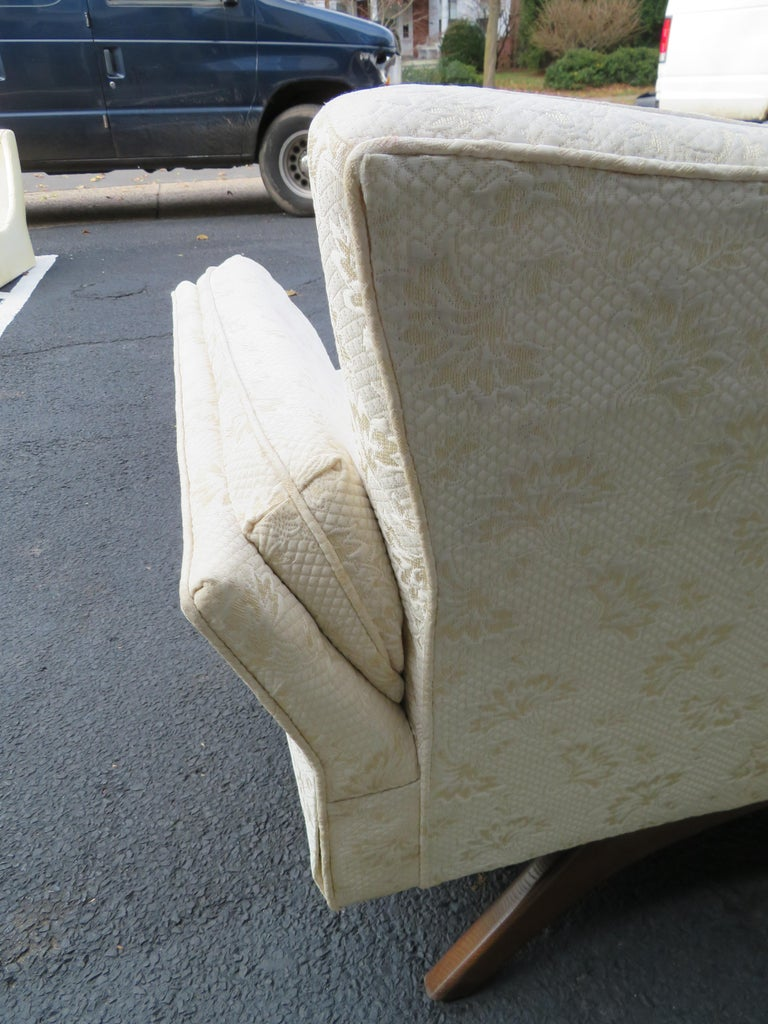 Upholstery Stunning Paul McCobb Style Bowtie Design Sofa Splayed Leg Midcentury For Sale