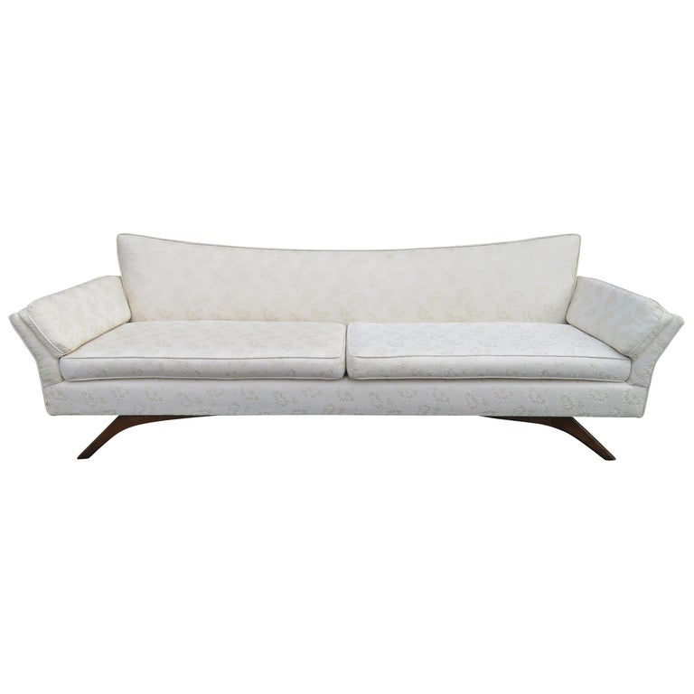 Stunning Paul McCobb Style Bowtie Design Sofa Splayed Leg Midcentury For Sale