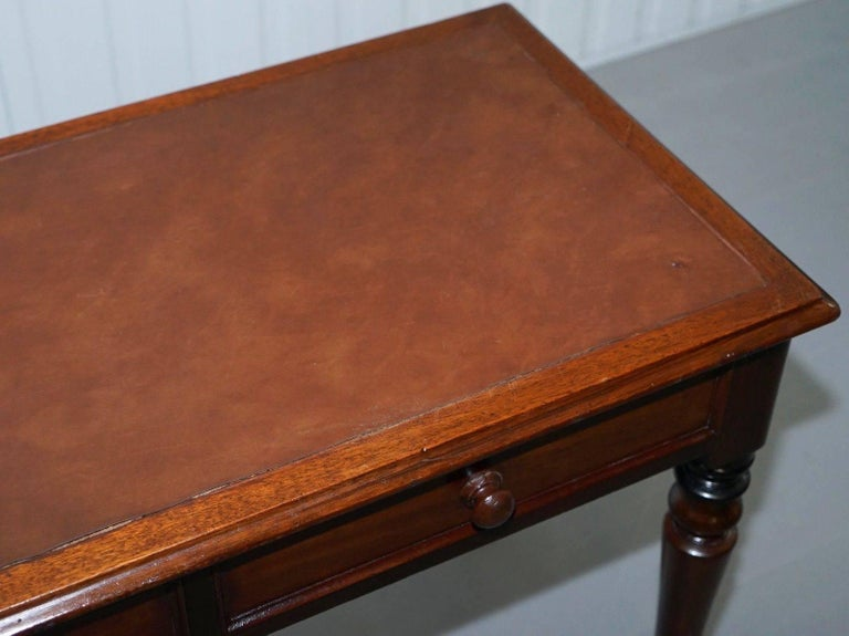 Hand-Carved Stunning Period Victorian Mahogany Writing Desk 1860 Lovely Function Piece For Sale
