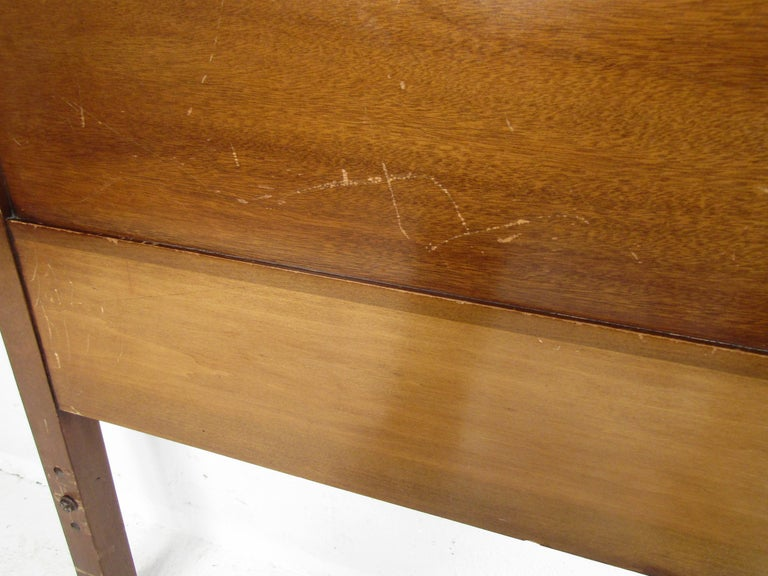 Late 20th Century Stunning Queen Size Midcentury R-Way Walnut Headboard For Sale