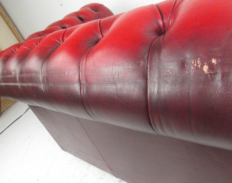 Stunning Red Leather Mid-Century Chesterfield Sofa For Sale 2