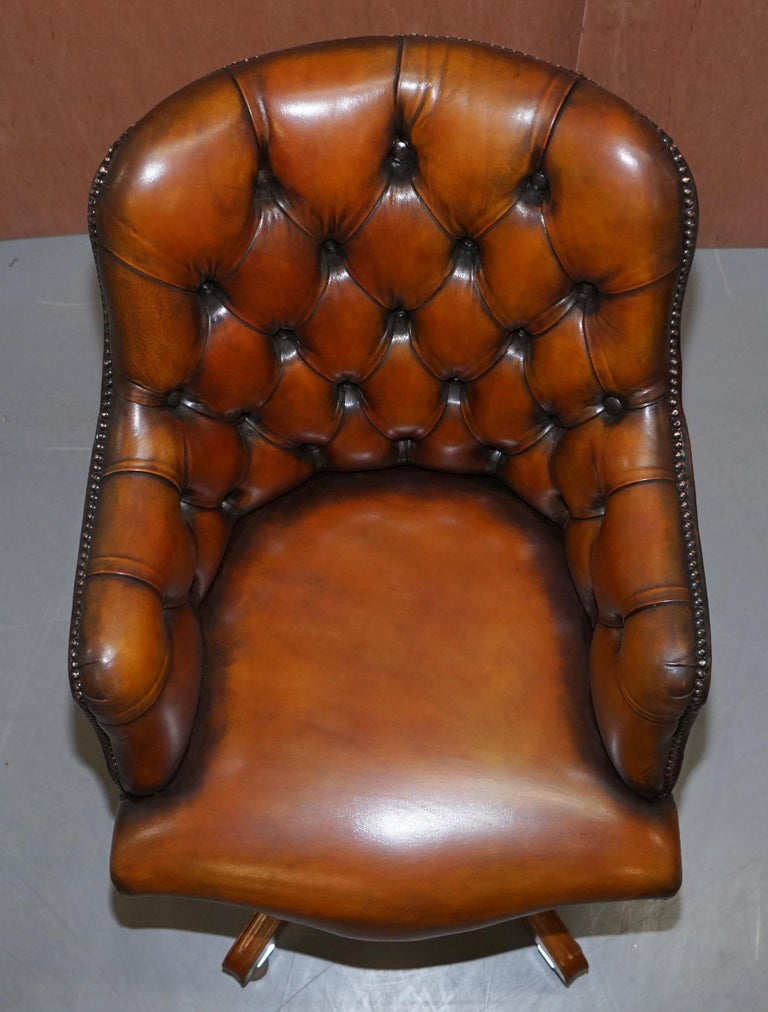 Stunning Restored Hand Dyed Whisky Brown Leather Chesterfield Directors Chair In Good Condition In London, GB