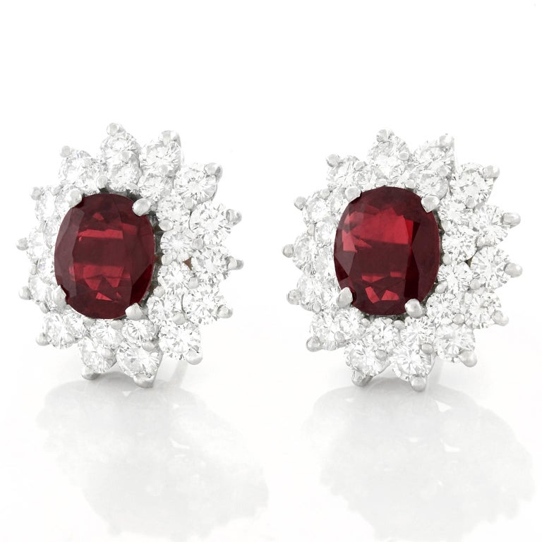 Stunning Rhodolite Garnet and Diamond set Platinum Earrings In Excellent Condition In Litchfield, CT