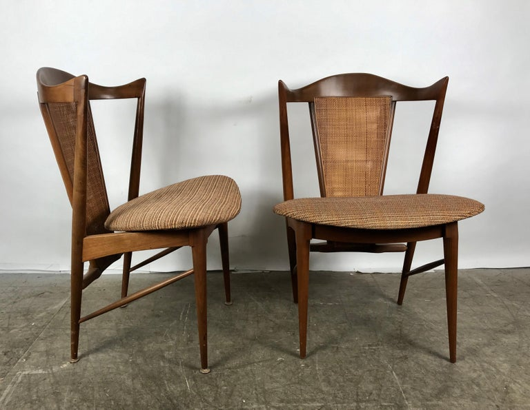 Mid-Century Modern Stunning Set of 6 Modernist Walnut and Cane Sculptural Dining Chairs For Sale
