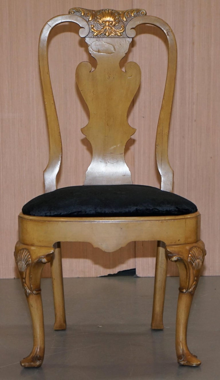 English Stunning Set of Four Walnut Queen Anne Dining Chairs Acanthus Leaf Carved Wood For Sale