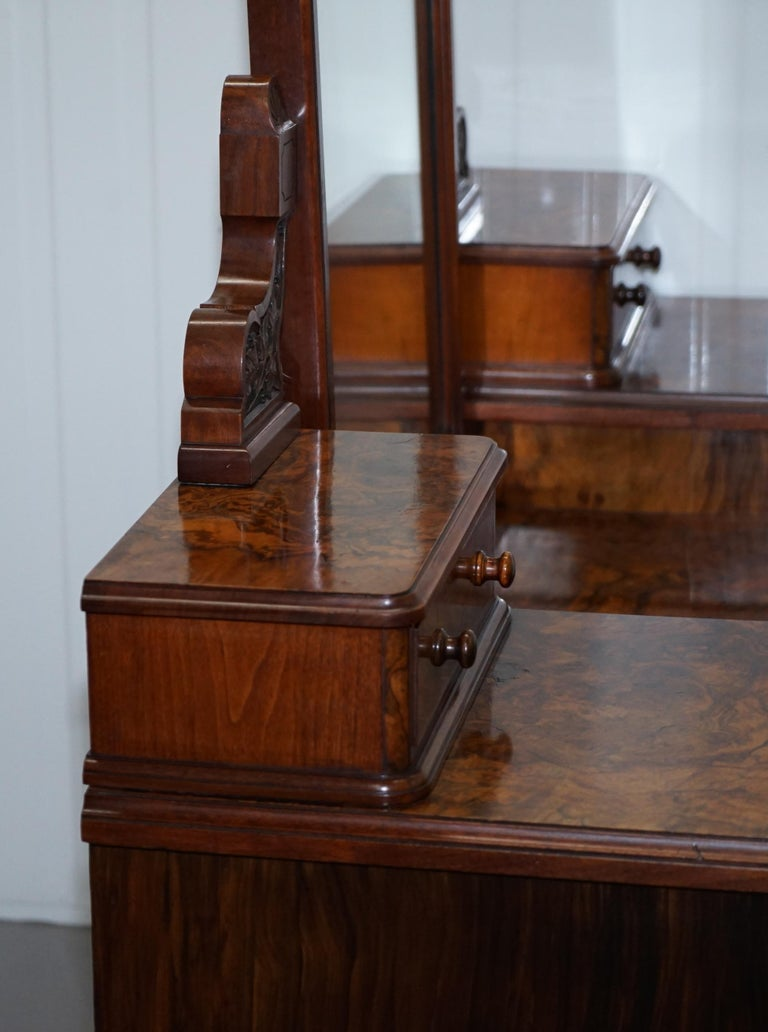 Stunning Victorian Collinge's Burr Walnut Dressing Table with Drawers and Mirror For Sale 13
