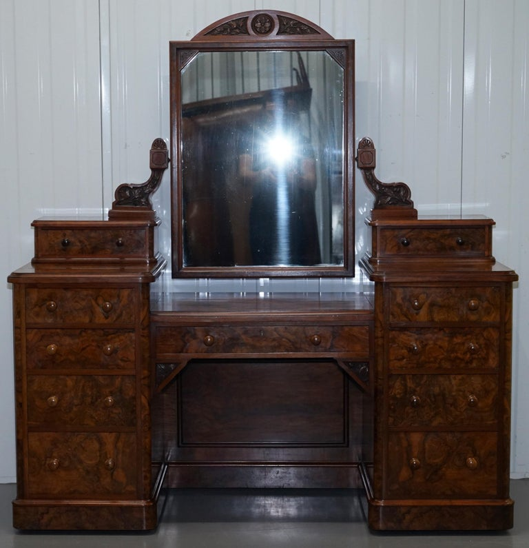 We are delighted to offer for sale this absolutely stunning circa 1890 Victorian burr walnut dressing table from the great company of Collinge's Burnley