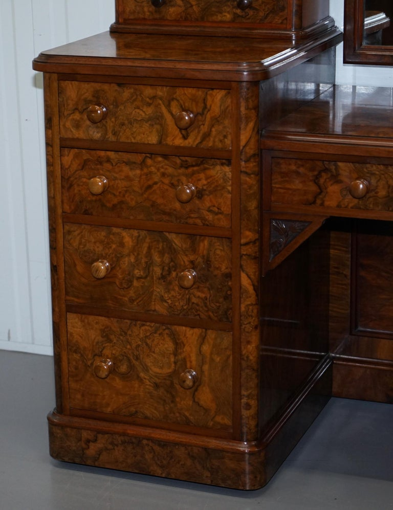 Hand-Crafted Stunning Victorian Collinge's Burr Walnut Dressing Table with Drawers and Mirror For Sale