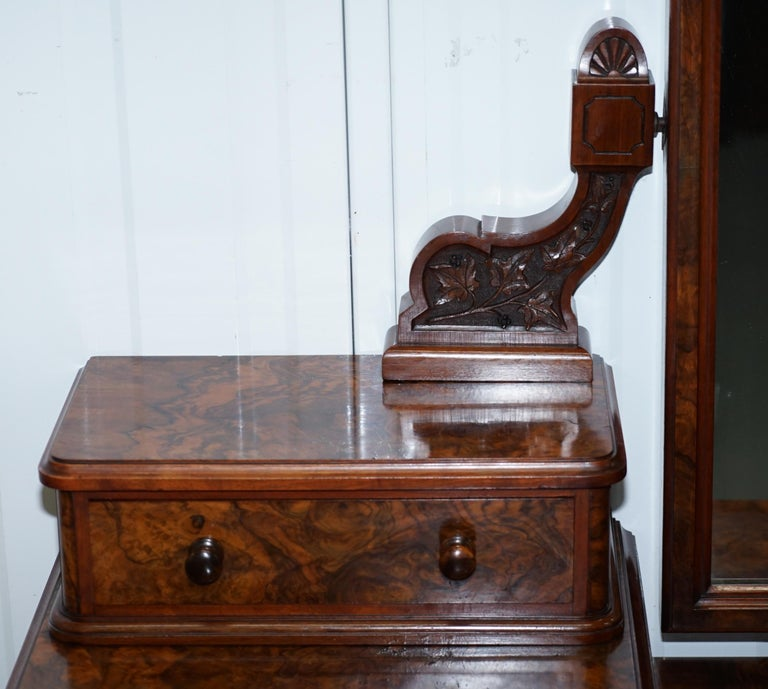 Stunning Victorian Collinge's Burr Walnut Dressing Table with Drawers and Mirror For Sale 1