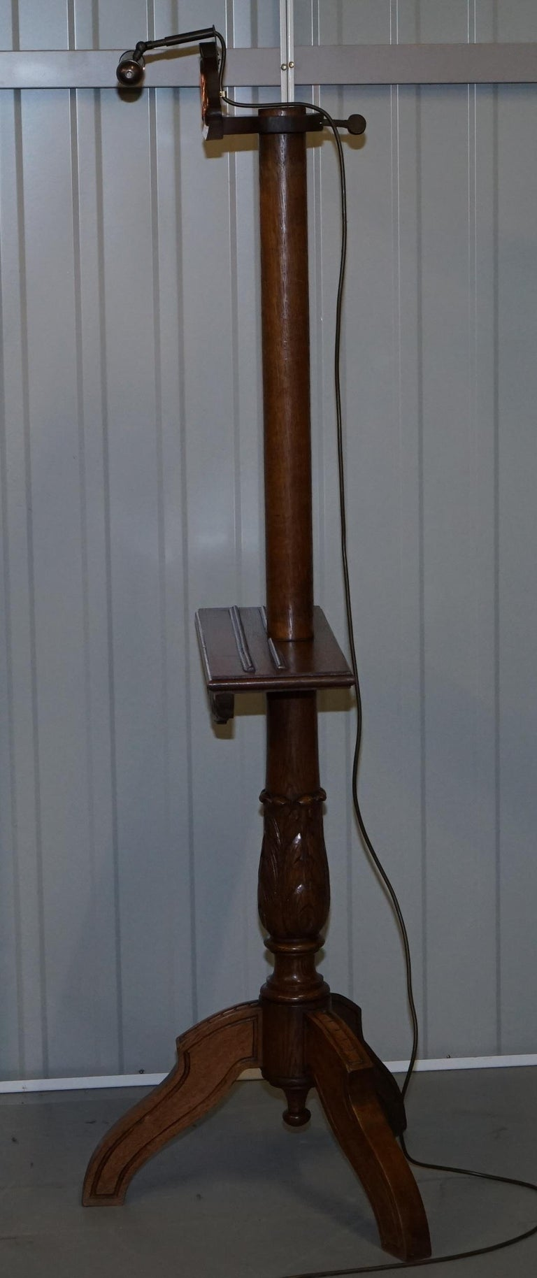 Stunning Victorian Hand Carved Painting Easel with Display Light for Artists For Sale 13